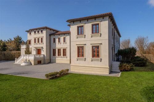 $19.9 Million Gated Mediterranean Mansion in Bridgehampton New York 9