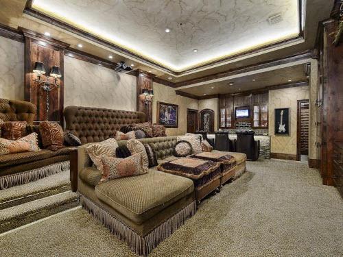 $5.75 Million Grand Mansion in Texas 4
