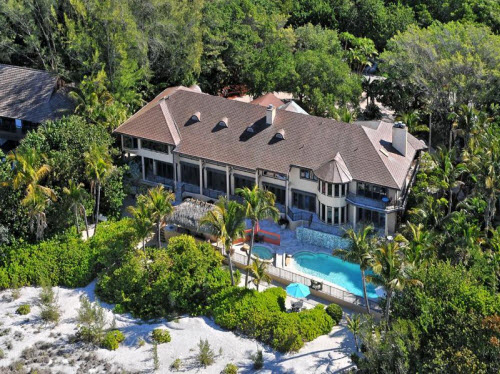 $7.9 Million Beachfront Estate in Sarasota Florida 3