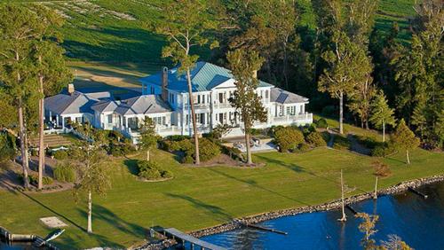 $1.9 Million Greek Revival Estate in North Carolina