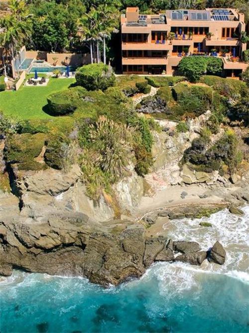 $29.9 Million Luxurious Oceanfront Retreat in Laguna Beach California 2