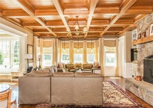 $6.9 Million Entertainer's Paradise in Connecticut 7