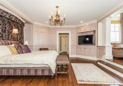 $6.9 Million Entertainer's Paradise in Connecticut 9