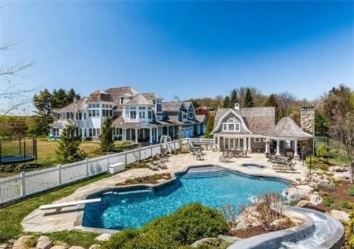 $6.9 Million Entertainer's Paradise in Connecticut
