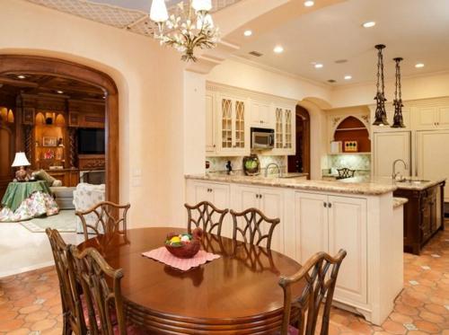 $9.9 Million Mediterranean Mansion in Palm Beach Florida 15