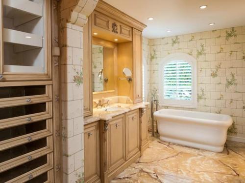 $9.9 Million Mediterranean Mansion in Palm Beach Florida 17