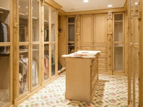$9.9 Million Mediterranean Mansion in Palm Beach Florida 18