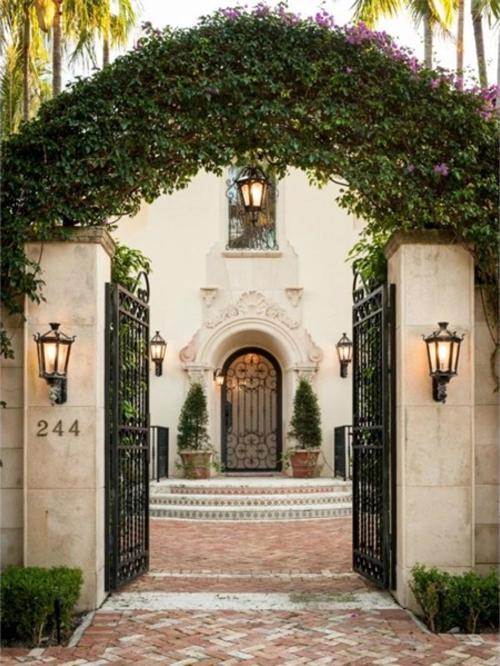 $9.9 Million Mediterranean Mansion in Palm Beach Florida 20