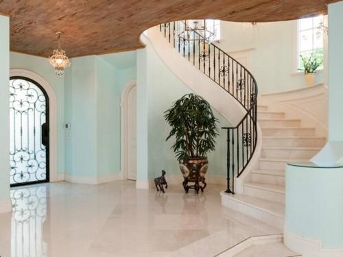 $9.9 Million Mediterranean Mansion in Palm Beach Florida 4