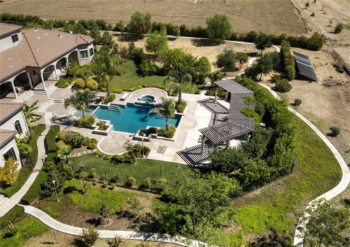 Exquisite Vineyard Estate in California 4