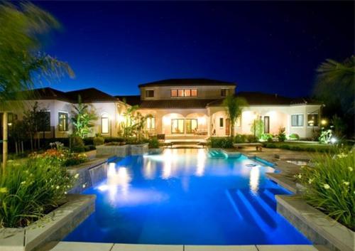 Exquisite Vineyard Estate in California 5