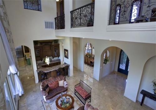 Exquisite Vineyard Estate in California 7