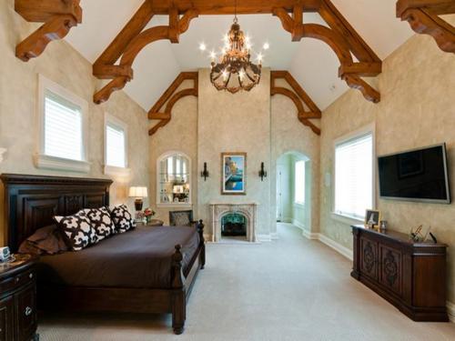 Majestic Estate in Barrington Hills Illinois 8