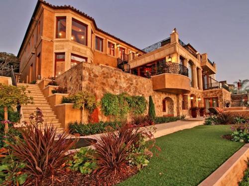 $16.9 Million Italian Oceanfront Mansion in California 7