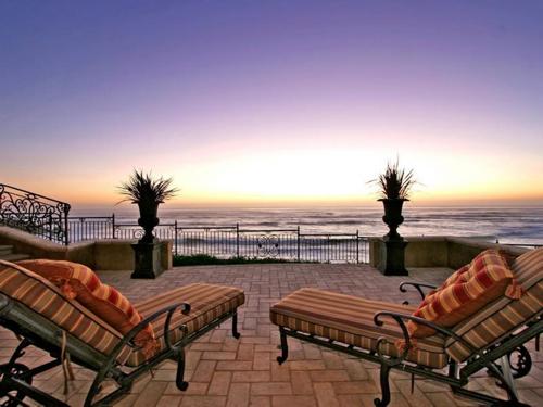 $16.9 Million Italian Oceanfront Mansion in California 8