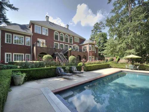 $2.7 Million Entertainer's Mansion in Alpharetta Georgia 20