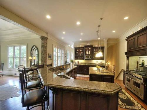 $2.7 Million Entertainer's Mansion in Alpharetta Georgia 7