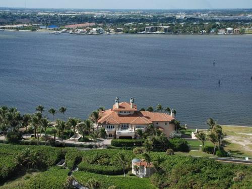 $32.5 Million Paradisio Del Mar in Florida