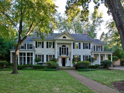 $1.9 Million Classic Estate in Evanston Illinois