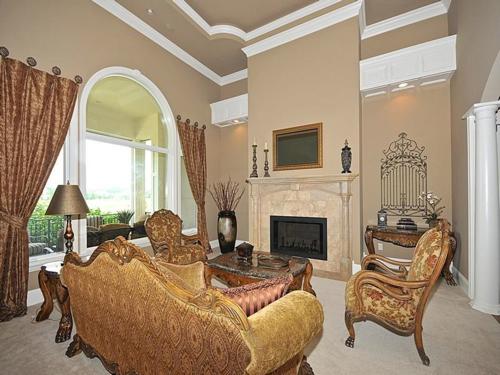 $1.9 Million Mediterranean Estate in Fishers Indiana 4