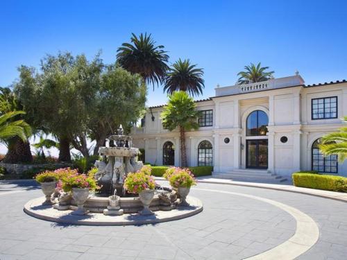 $12 Million Villa LaBarba in California 13
