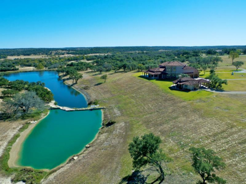$4 Million Luxurious Country Estate in Texas 10