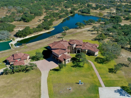 $4 Million Luxurious Country Estate in Texas 11