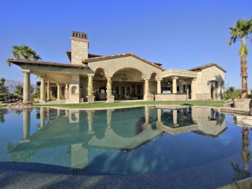 $7.9 Million Elegant Tuscan Estate in California 2