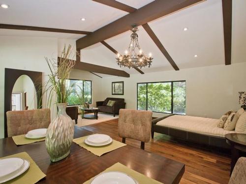 $8.8 Million Gorgeous Modern Ranch in California 11