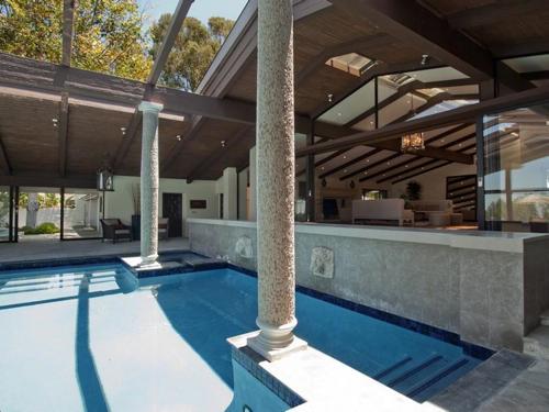 $8.8 Million Gorgeous Modern Ranch in California 12