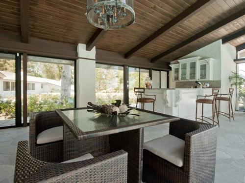$8.8 Million Gorgeous Modern Ranch in California 15