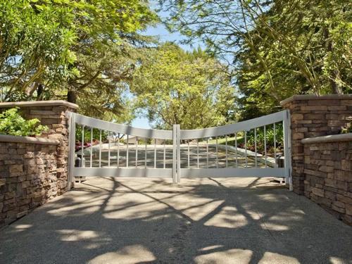 $8.8 Million Gorgeous Modern Ranch in California 2