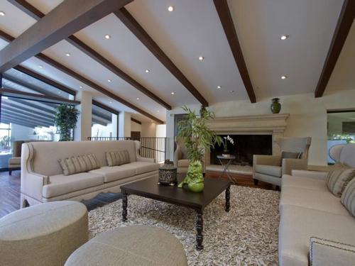 $8.8 Million Gorgeous Modern Ranch in California 7