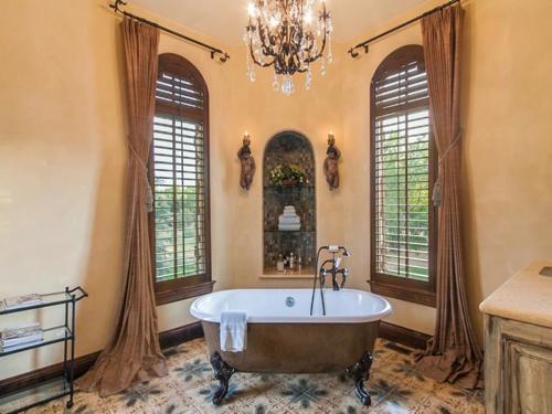 $5.5 Million Tuscan Villa in Colorado 12