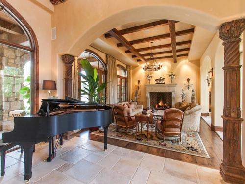 $5.5 Million Tuscan Villa in Colorado 3