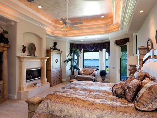 $7.9 Million Gated Waterfront Mansion in Sarasota Florida 13