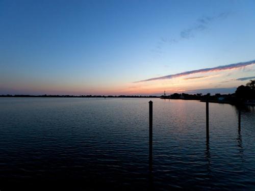 $7.9 Million Gated Waterfront Mansion in Sarasota Florida 19