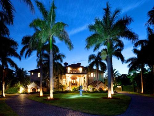$7.9 Million Gated Waterfront Mansion in Sarasota Florida 5