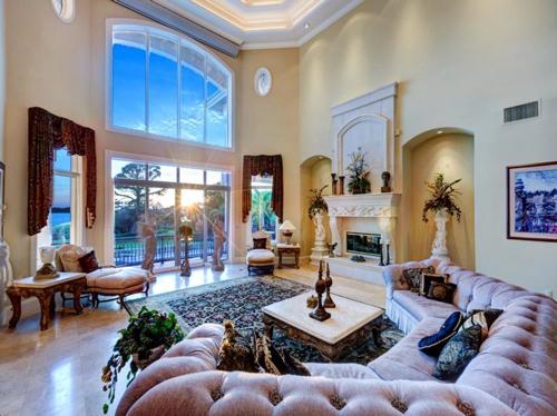 $7.9 Million Gated Waterfront Mansion in Sarasota Florida 8