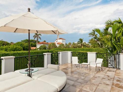 $10.9 Million Classic Regency Mansion in Palm Beach Florida 5