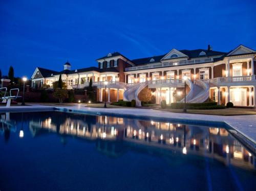 $15 Million Gated Custom Mansion in Georgia 4