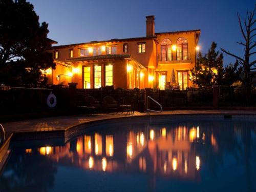 $2.9 Million Renaissance Inspired Villa in Oregon 19