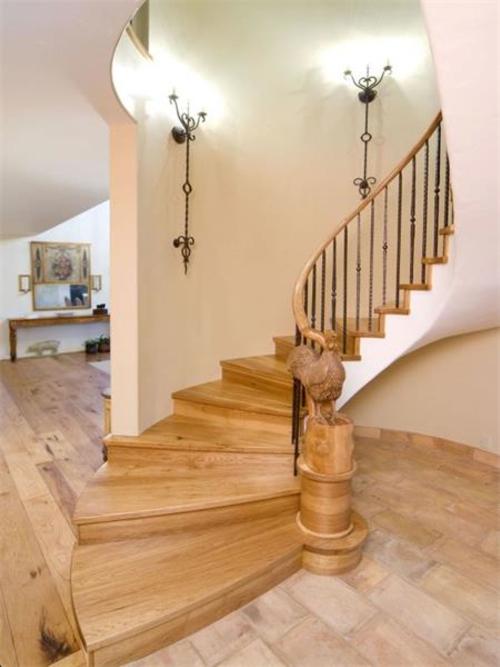 $2.9 Million Renaissance Inspired Villa in Oregon 8