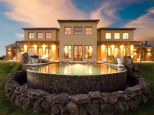$2.9 Million Renaissance Inspired Villa in Oregon