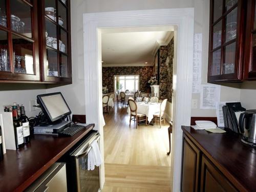 $3.2 Million Restored Victorian Mansion in Easton Maryland 7