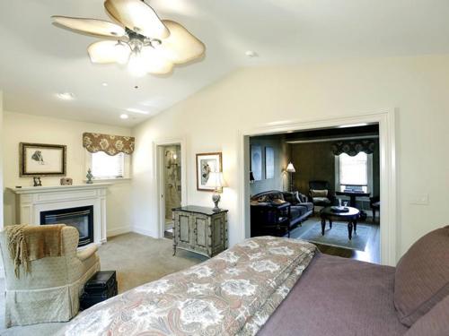 $3.2 Million Restored Victorian Mansion in Easton Maryland 9