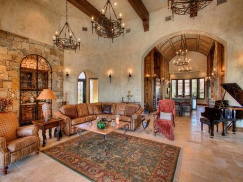 $3.9 Million Mountain Masterpiece Mansion in Texas 10