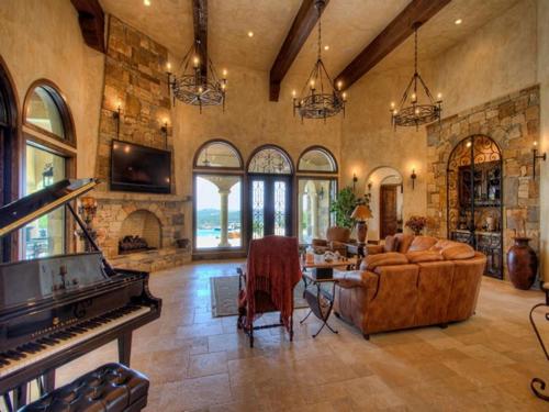$3.9 Million Mountain Masterpiece Mansion in Texas 11