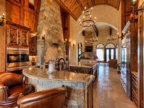 $3.9 Million Mountain Masterpiece Mansion in Texas 12