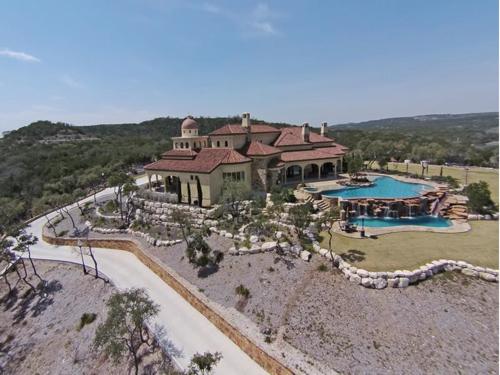 $3.9 Million Mountain Masterpiece Mansion in Texas 2
